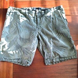Ocean current mens green palm leaf shorts size 34